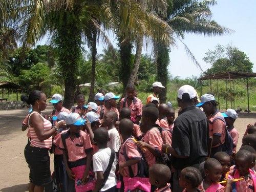 Distributing gifts
